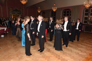Menuett tanzen