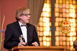 Kirchlicher Festredner Pastor Dominik Wolff.